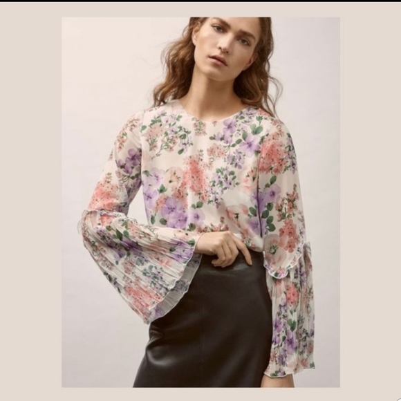 NWT Massimo Dutti Floral Bell Sleeve Blouse sz 4